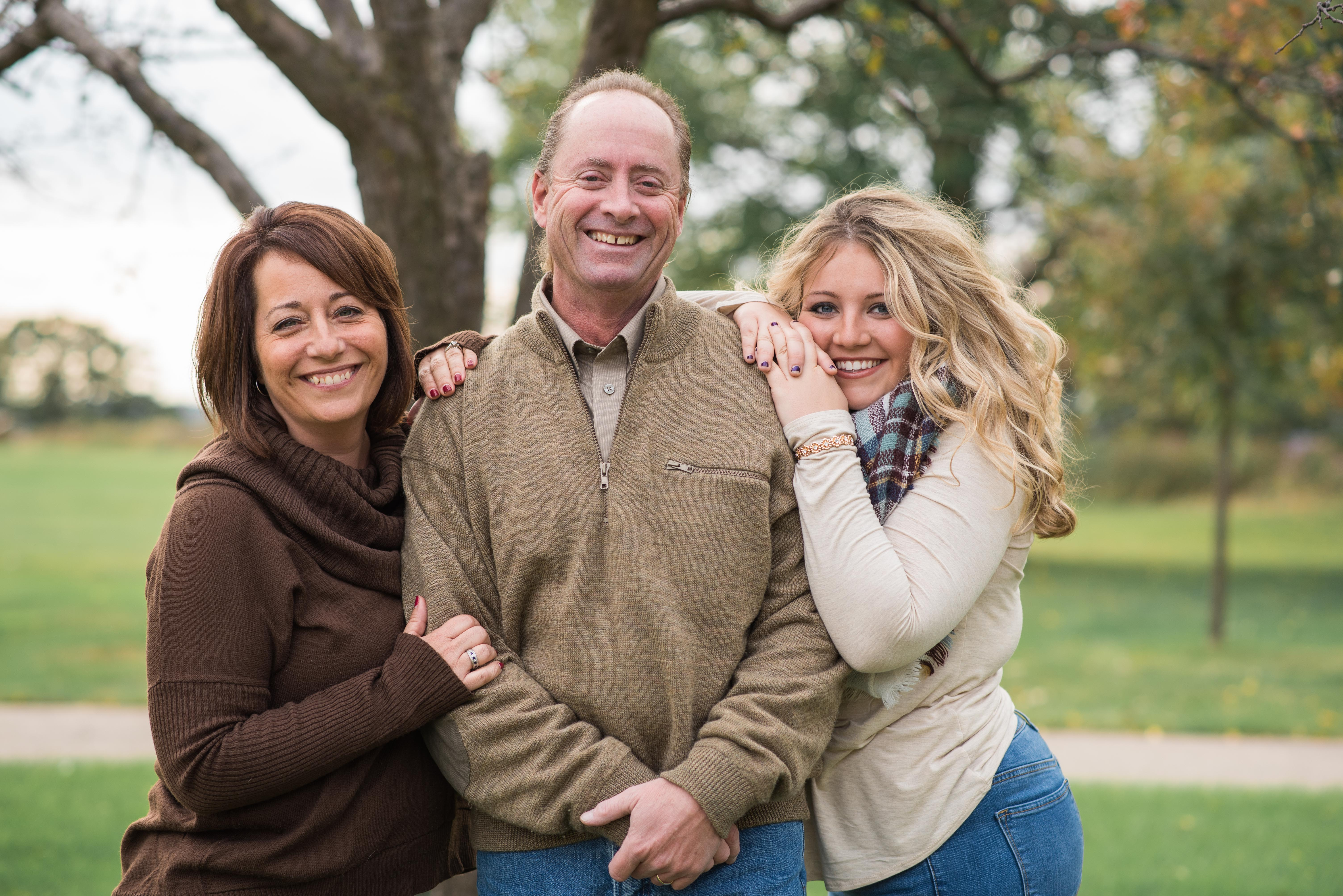 kristen calgaro photography families i m so happy that you are considering me for your family photos as a wife mother sister and daughter i understand and value the importance of family